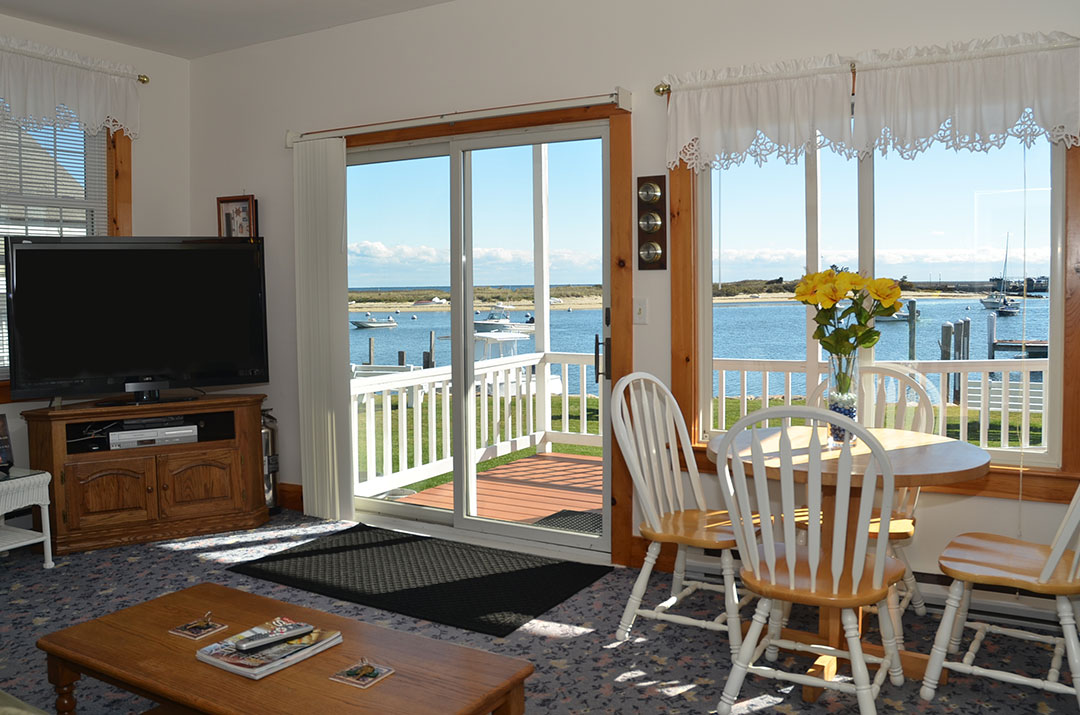 Oak Bluffs Apartment
